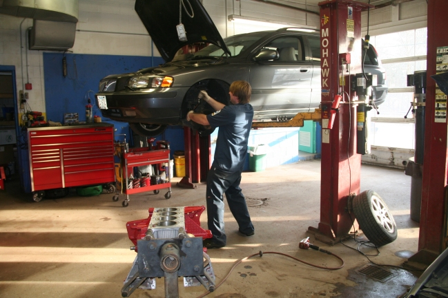 Working Auto Lift : Alexander automotive service auto repair sudbury ma