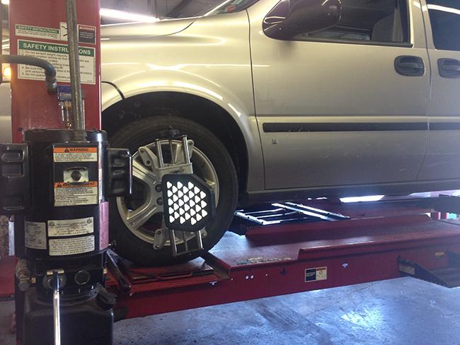 Auto world inc hazelwood mo tires auto repair shop for Doc motor works auto repair