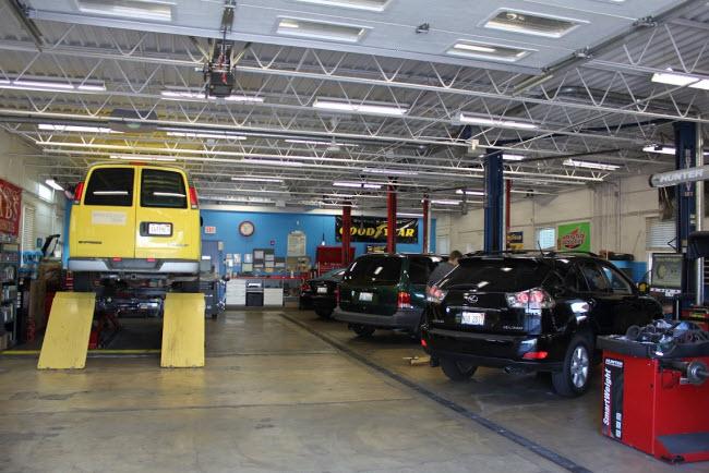 Scott's Service Place | Auto Repair Wheaton IL | Engine